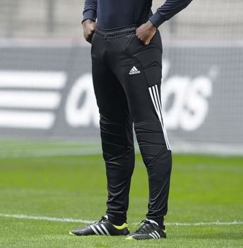 Fitting soccer pant
