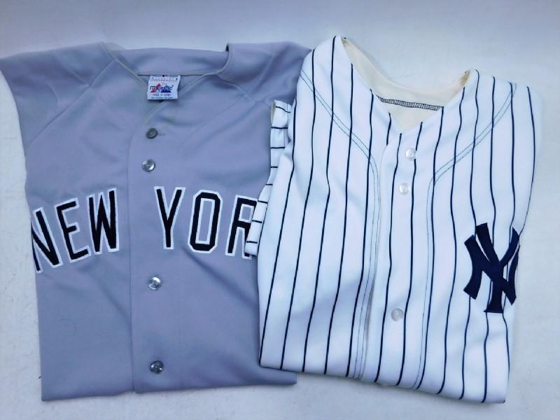 Reversible baseball jerseys